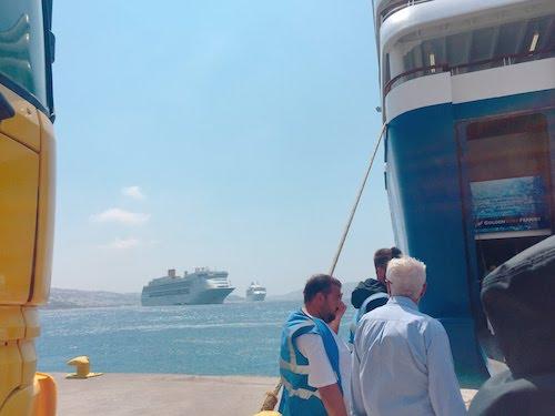 【ギリシャ】ミコノス島からサントリーニ島に行き方*方法と注意点*フェリーがおすすめ*ぼったくりの呼び込みに注意!