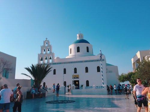 【ギリシャ・サントリーニ】世界中の人を魅了する島『サントリーニ島』の街並みの写真をとるコツ 実はすごい人ごみなんです!